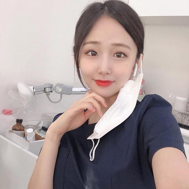 Cởi khẩu trang, cô gái bất ngờ được phong là nha sĩ đẹp nhất Hàn Quốc, cộng đồng mạng khuyên nên bỏ nghề làm hot girl - Ảnh 3.
