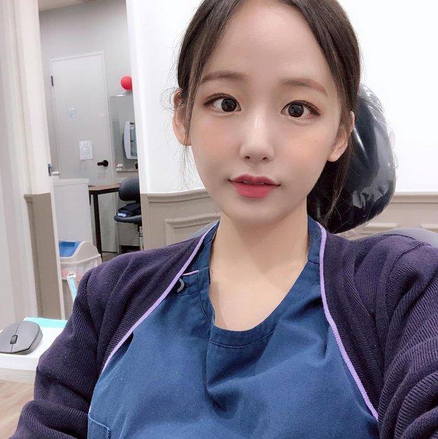 Cởi khẩu trang, cô gái bất ngờ được phong là nha sĩ đẹp nhất Hàn Quốc, cộng đồng mạng khuyên nên bỏ nghề làm hot girl - Ảnh 5.