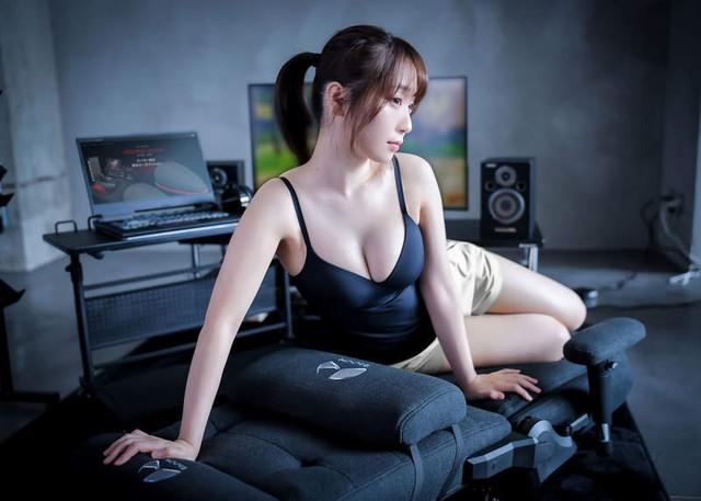 Áp dụng combo quảng cáo ghế gaming + gái xinh, nhà sản xuất ghế bất ngờ bội thu, cháy hàng chỉ sau ít ngày - Ảnh 5.