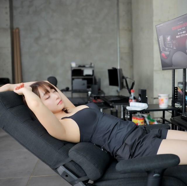 Áp dụng combo quảng cáo ghế gaming + gái xinh, nhà sản xuất ghế bất ngờ bội thu, cháy hàng chỉ sau ít ngày - Ảnh 8.