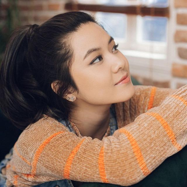 Chân dung Tianie - Nữ streamer làm dậy sóng kênh Thầy Ba vì giọng hát ngọt ngào: Du học sinh, hát hay học giỏi, Đại Cao Thủ LMHT - Ảnh 2.