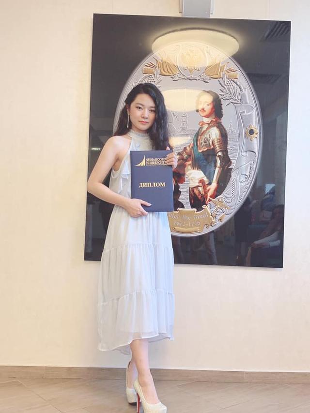 Chân dung Tianie - Nữ streamer làm dậy sóng kênh Thầy Ba vì giọng hát ngọt ngào: Du học sinh, hát hay học giỏi, Đại Cao Thủ LMHT - Ảnh 8.