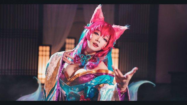 Cosplay Ahri Chiêu Hồn Thiên Hồ nóng hơn bản gốc, nữ cosplayer Hàn Quốc khiến dân tình bấn loạn - Ảnh 8.