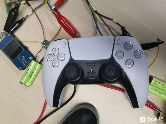 Rò rỉ thời lượng Pin của tay cầm PS5 DualSense, gấp đôi DualShock 4, lên tới 12 tiếng chơi game liên tục - Ảnh 1.