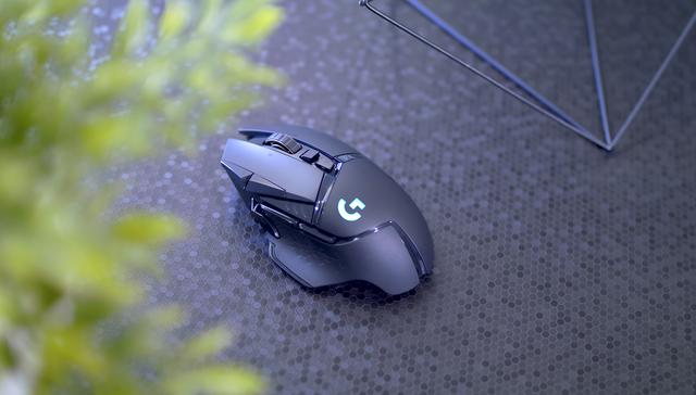 Logitech G502 Wireless Lightspeed, chuột gaming huyền thoại trở lại và lợi hại hơn xưa - Ảnh 4.