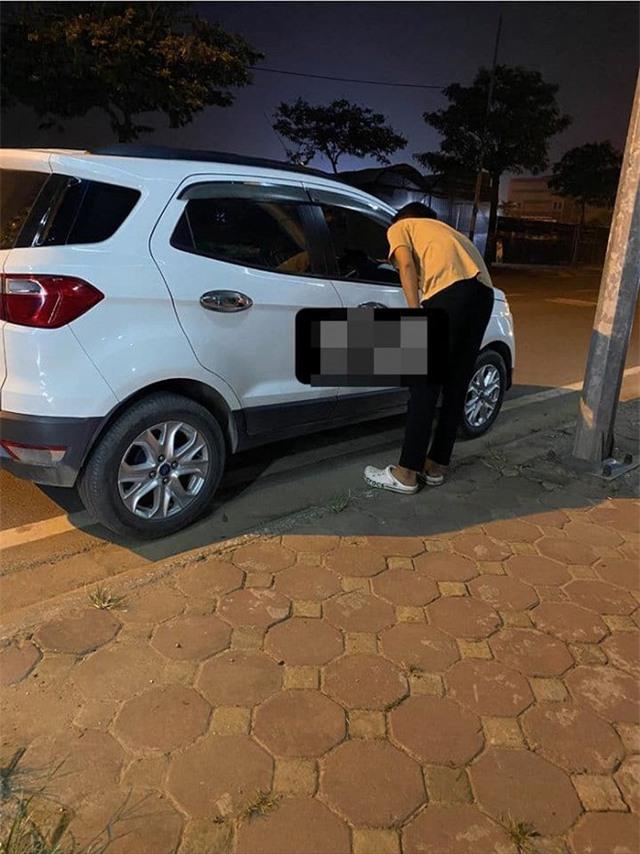 Gặp người yêu cũ lái xế hộp xịn sò, chàng trai đòi mở cửa xe nói chuyện rồi bật khóc sau khi bị từ chối - Ảnh 2.