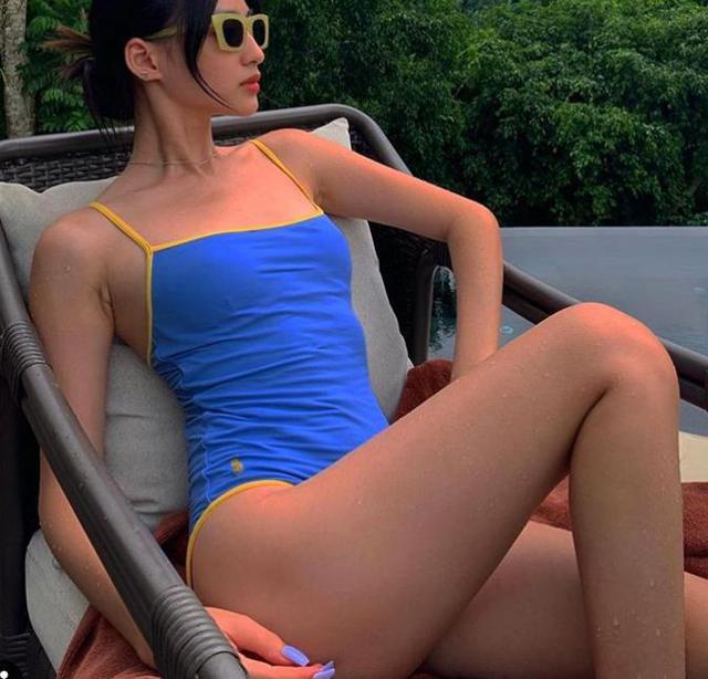 Hot girl Việt - Pháp lọt Top 100 gương mặt đẹp nhất 2020, chỉ cao 1m59 nhưng body sexy, phong cách đầy táo bạo - Ảnh 11.