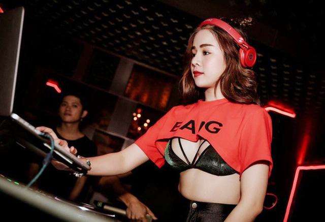 Mặt xinh dáng chuẩn nhưng lại ngại ăn mặc sexy, nữ DJ đang gây xôn xao ở Rap Việt thu hút sự chú ý của cộng đồng mạng - Ảnh 2.