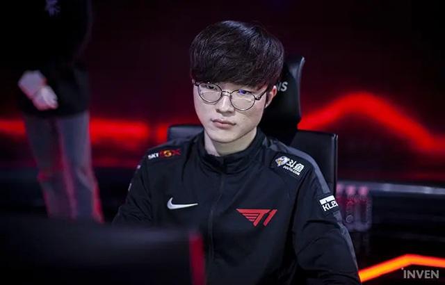 Cộng đồng Hàn Quốc phẫn nộ vì cách T1 đối xử với Faker: T1 coi Faker như con bò chỉ để vắt ra tiền vậy - Ảnh 3.