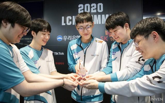 Truyền thông Hàn Quốc nhận định thế nào về playoffs LCK Mùa Hè 2020 - T1 sẽ lột xác hoàn toàn - Ảnh 9.