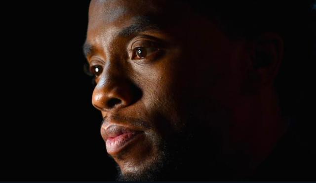 Người chơi tái hiện đại chiến Civil War trong game, tất cả lại càng xót thương cho Black Panther Chadwick Boseman - Ảnh 1.