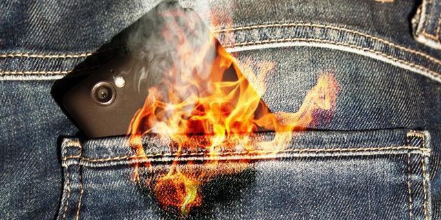 Hãy cẩn trọng! Đây là thứ xảy ra bên trong điện thoại khi quá nóng, điều kinh khủng nhất sẽ khiến bạn bất ngờ - Ảnh 1.