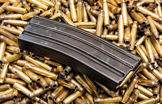 """Tại sao súng trong game và ngoài đời đa phần chỉ có 30 viên đạn? Vì đạn càng nhiều, nguy cơ """"nằm xuống"""" của bạn càng cao? - Ảnh 2."""