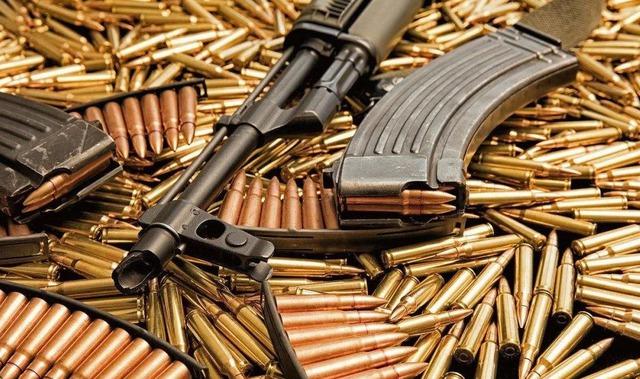 """Tại sao súng trong game và ngoài đời đa phần chỉ có 30 viên đạn? Vì đạn càng nhiều, nguy cơ """"nằm xuống"""" của bạn càng cao? - Ảnh 3."""