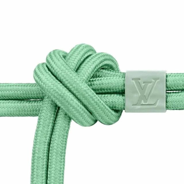 15 triệu để mua thắt lưng sợi vải của LV, cư dân mạng ngạc nhiên vì 'trông hệt như sợi dây dù' 5.000 đồng - Ảnh 1.