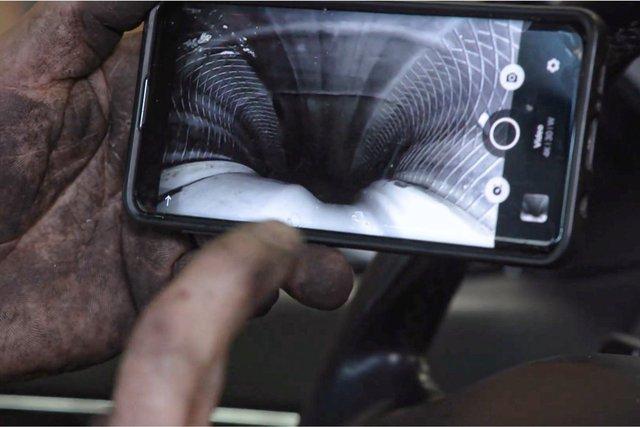 Video cho thấy những điều từ bên trong bánh xe ô tô khi di chuyển - Ảnh 3.