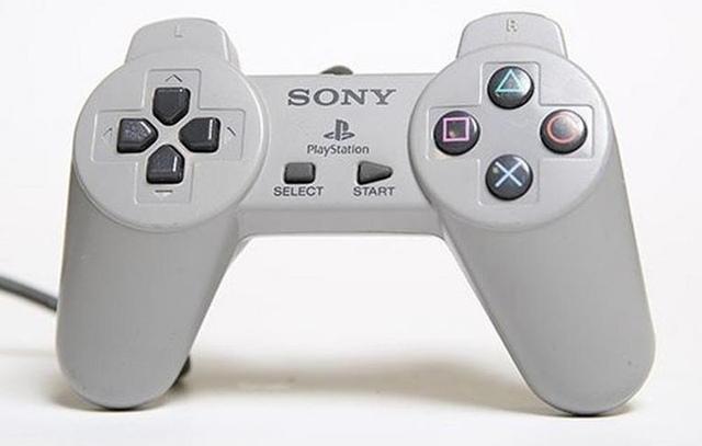 Quá trình tiến hóa hơn 20 năm của các đời tay cầm PlayStation - Ảnh 3.