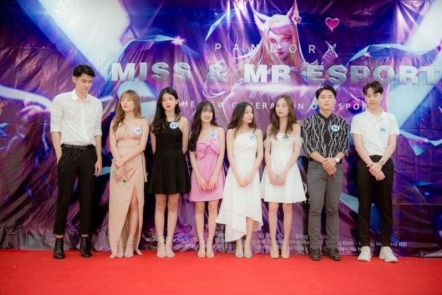 Toàn cảnh buổi Chung kết Mr & Miss Esports 2020 - Ngôi vị King and Queen đã tìm ra chủ nhân xứng đáng - Ảnh 1.