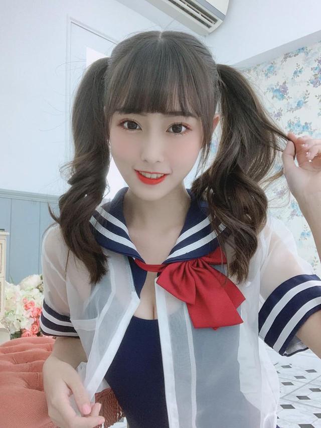 Mặt học sinh nhưng thân hình thì như người mẫu, nàng hot girl tiết lộ mệt mỏi khi phải nhận cả trăm thư tình mỗi ngày - Ảnh 4.