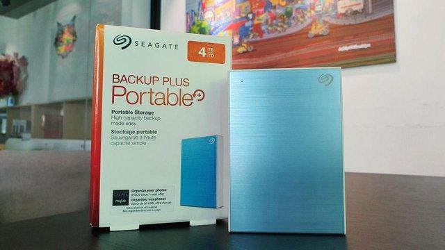 Trên tay và đánh giá chi tiết ổ cứng gắn ngoài Seagate Backup Plus Portable 4TB – Nhỏ gọn, tiện dụng và phong cách - Ảnh 1.