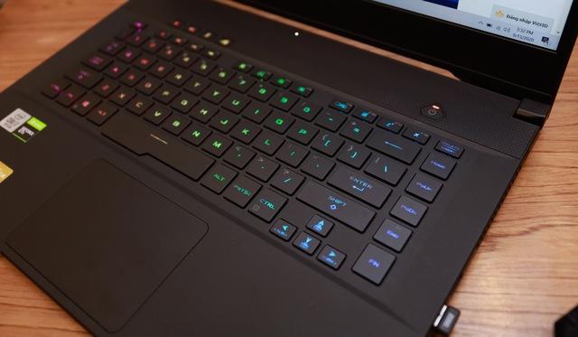 Laptop Asus ROG Zephyrus M15 - Laptop gaming mạnh mẽ nhưng vẫn mỏng nhẹ như người mẫu - Ảnh 6.