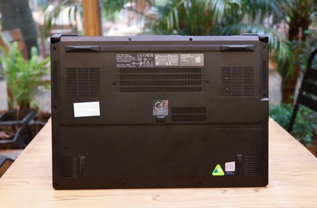 Laptop Asus ROG Zephyrus M15 - Laptop gaming mạnh mẽ nhưng vẫn mỏng nhẹ như người mẫu - Ảnh 3.