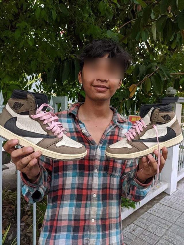 Làm bốc vác nhưng lại sở hữu tủ giày lên tới hàng chục triệu, nam thanh niên khiến cộng đồng mạng tranh luận không ngớt - Ảnh 4.