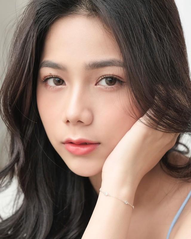 Lên hẳn báo nước ngoài vì ảnh nội y gợi cảm, hot girl Việt sở hữu số đo 3 vòng 90-60-89 khiến fan trầm trồ về nhan sắc - Ảnh 11.