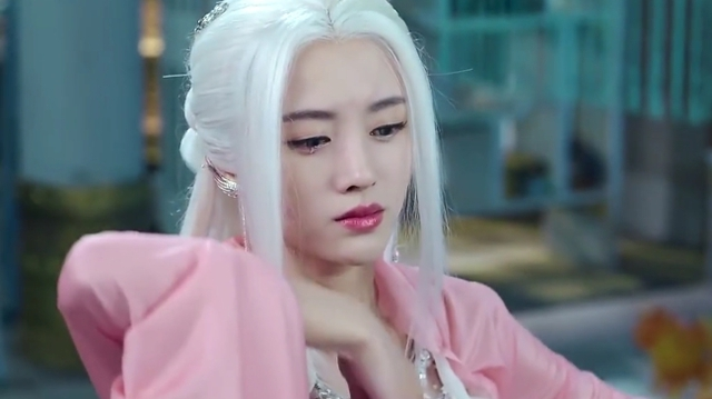 Loạt mỹ nhân Hoa ngữ đọ độ quyến rũ trong tạo hình tóc trắng - Ảnh 6.