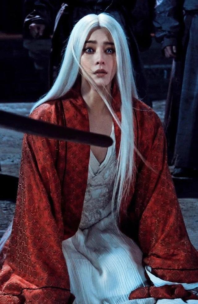 Loạt mỹ nhân Hoa ngữ đọ độ quyến rũ trong tạo hình tóc trắng - Ảnh 9.
