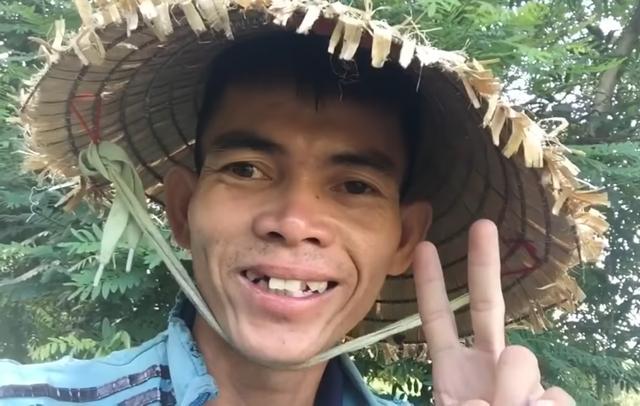 Chàng trai chăn bò VN sở hữu chất giọng luyến láy gây nghiện làm điều bất ngờ với rapper quốc tế - Ảnh 1.