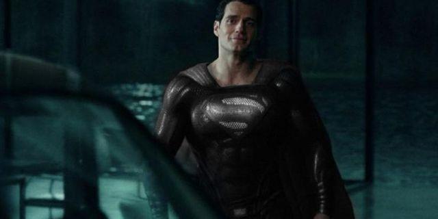 Top 5 bộ đồ siêu anh hùng có thiết kế đẹp nhất trong Vũ trụ Điện ảnh DC - Ảnh 3.