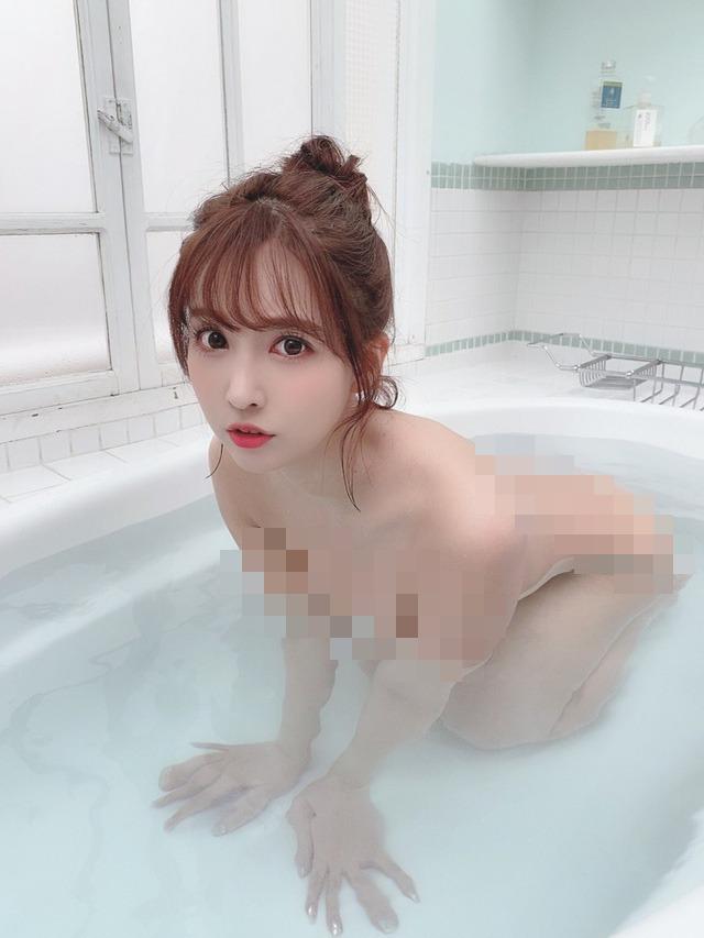 Đăng ảnh tắm nude cực táo bạo lên trang cá nhân, Yua Mikami khiến các fan đỏ mặt, không dám nhìn thẳng - Ảnh 3.