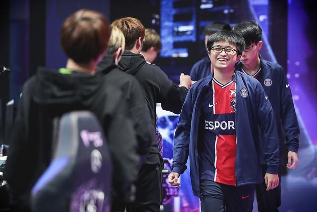 Hi vọng có thể đánh bại Top Esports, PSG Talon bị fan LPL mỉa mai - Mới thắng LGD đã gáy à - Ảnh 1.