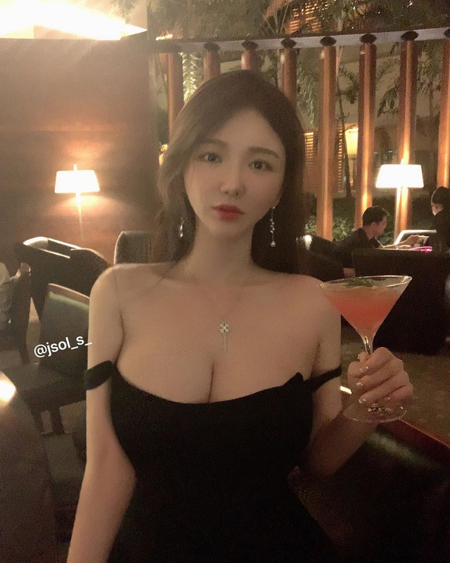 Mặt xinh dáng đẹp, hot girl siêu vòng 3 Hàn Quốc khiến fan sốc nặng khi từ bỏ tất cả để đi du học thạc sĩ - Ảnh 4.