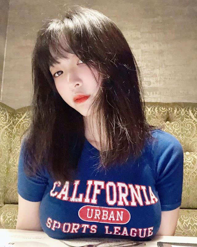 Bất ngờ đăng ảnh siêu táo bạo lên khoe, nàng streamer xinh đẹp khiến fan sốc nặng, cứ ngỡ đổi nghề sang Nhật diễn xuất - Ảnh 11.