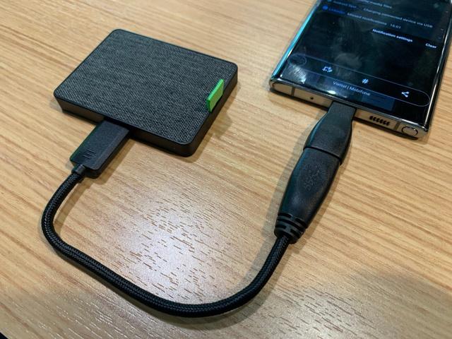 Đánh giá chi tiết Seagate Ultra Touch SSD: Ổ cứng gắn ngoài siêu nhanh tiện lợi, thiết kế vải dệt độc lạ đầu tiên và duy nhất trên thế giới - Ảnh 3.