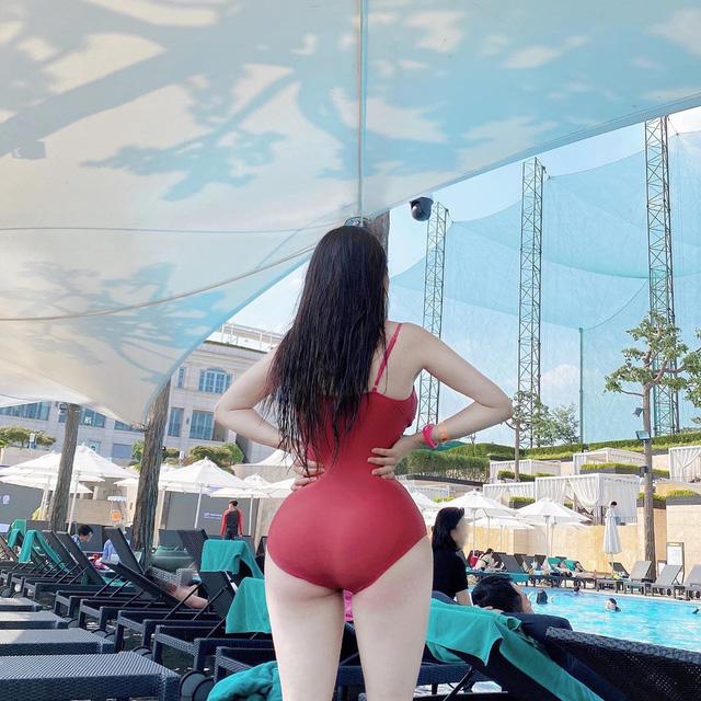 Không cần lộ mặt, 3 hot girl vẫn sexy vượt sức chịu đựng nhờ vòng 3 sóng thần cùng loạt ảnh bikini mướt mát - Ảnh 5.