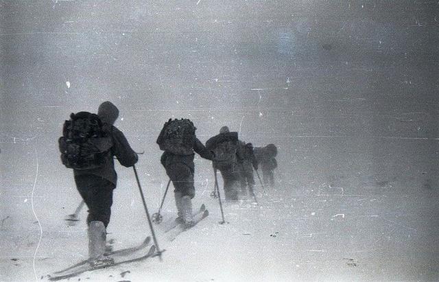 Sự kiện đèo Dyatlov: Tai nạn leo núi kỳ lạ nhất trong lịch sử nhân loại (Phần 1) - Ảnh 6.