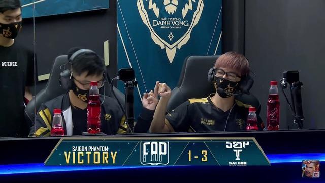 Thần đồng Liên Quân Mobile Việt bị Garena phạt nặng vì cử chỉ thô tục, khiếm nhã ngay trên sóng livestream - Ảnh 2.