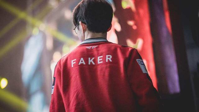 Không có Faker, T1 cũng chỉ còn lại cái tên