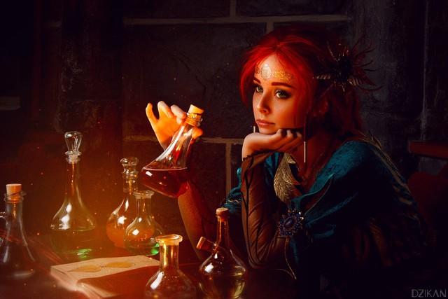 Hút hồn với cosplay nàng phù thủy nóng bỏng Triss trong The Witcher 3 - Ảnh 3.