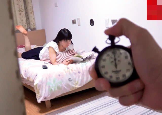 Đồng hồ huyền thoại và thứ không thể thiếu trong các bộ phim hay tua nhanh của Yua Mikami và bạn diễn - Ảnh 3.