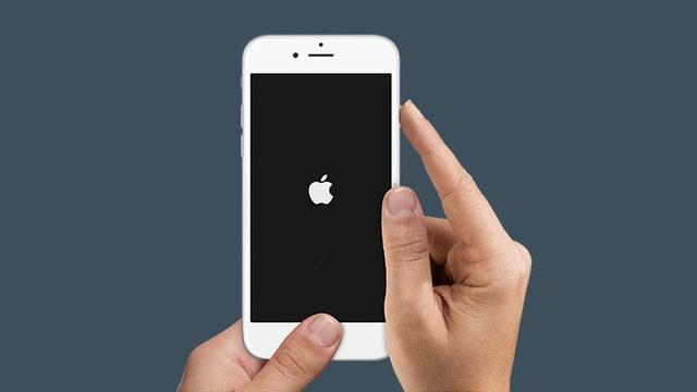 Chỉ 3 bước đơn giản trị ngay iPhone bị đơ màn hình - Ảnh 2.