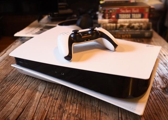 PS5 giảm giá sốc, game thủ hoàn toàn có thể mua để chơi Tết - Ảnh 2.