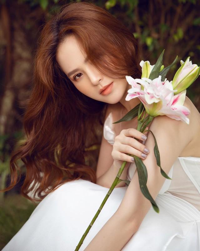 Gần 2 năm sau nghi vấn lộ clip nóng, hot girl Mì Gõ tái xuất rạng ngời, gây xôn xao cộng đồng mạng - Ảnh 1.