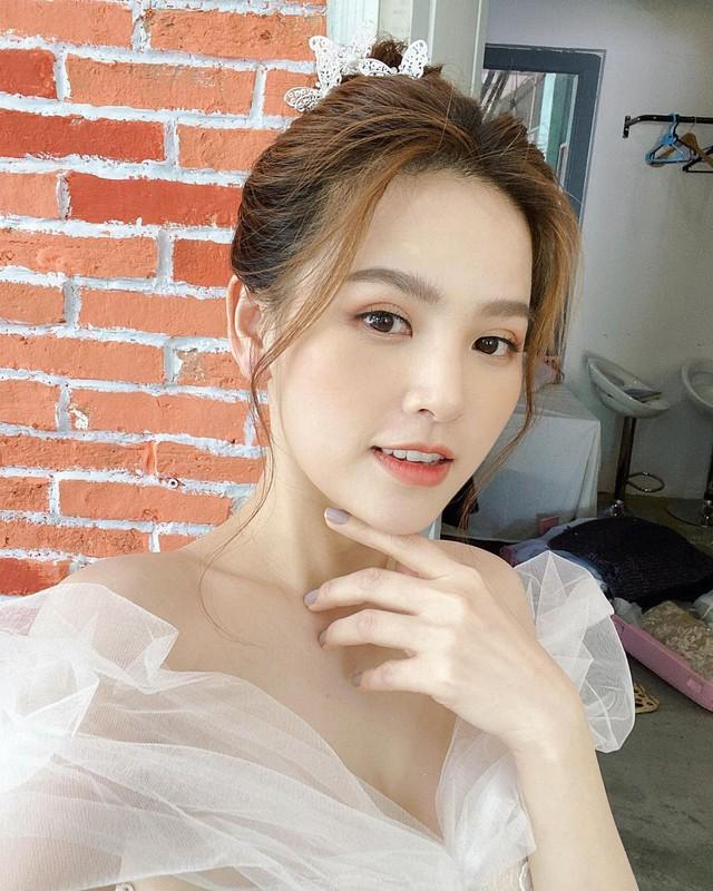 Gần 2 năm sau nghi vấn lộ clip nóng, hot girl Mì Gõ tái xuất rạng ngời, gây xôn xao cộng đồng mạng - Ảnh 2.