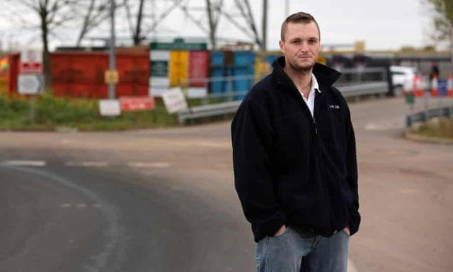 Lỡ tay vứt ổ cứng chứa 7500 Bitcoin, anh kỹ sư quyết chi 72 triệu USD để xới tung bãi rác tìm kho báu - Ảnh 1.