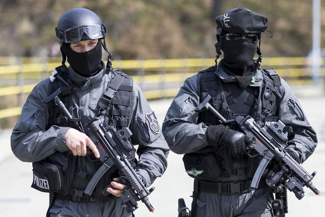 Những vũ khí nổi tiếng trong game: Kỳ 3 – MP5, khẩu tiểu liên được yêu thích bởi các đội đặc nhiệm - Ảnh 1.