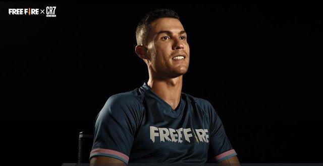 Ronaldo đích thân nói về Free Fire và dụ dỗ gần 150 triệu Fan trên Fanpage tích xanh quyền lực của mình - Ảnh 1.